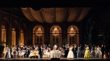 La Scala and the artists of La traviata donate proceeds to earthquake victims